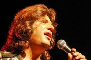 Claudio Arena chante Mike Brant